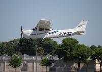 N781BG @ ORL - Cessna 172R