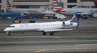 N784SK @ LAX - United Express