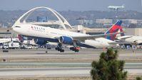 N864DA @ LAX - Delta
