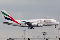 A6-EDL @ EGLL - Landing