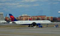 N6716C @ KATL - Taxi Atlanta - by Ronald Barker