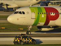 CS-TNM @ LPPT - TAP Portugal TAP 949 from Geneva - by Jean Goubet-FRENCHSKY