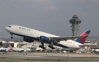 N866DA @ KLAX - Boeing 777-200