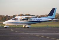 F-GIEV @ LFPN - Taxiing - by Romain Roux