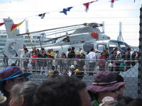 9806 - as seen from dockside through mass of viewing public! - by magnaman