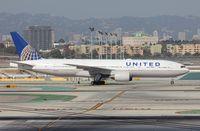 N782UA @ KLAX - Boeing 777-200 - by Mark Pasqualino