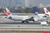 JA822J @ KLAX - Boeing 787-8