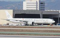 9V-SWJ @ KLAX - Boeing 777-300ER - by Mark Pasqualino