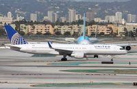 N598UA @ KLAX - Boeing 757-200
