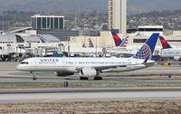 N14118 @ KLAX - Boeing 757-200 - by Mark Pasqualino