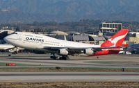 VH-OJS @ KLAX - Qantas B744 rotating. - by FerryPNL