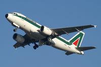 I-BIMJ @ EHAM - Alitalia - by Fred Willemsen