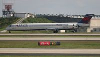 N913DN @ ATL - Delta - by Florida Metal