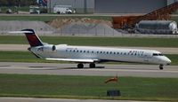 N929XJ @ DTW - Delta Connection