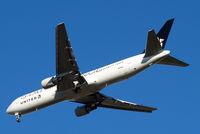 N653UA @ EGLL - Boeing 767-322ER [25391] (United Airlines) Home~G 10/11/2013. 0n approach 27R.