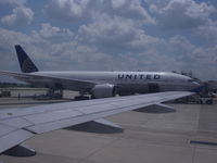 N69020 @ IAH - United 777-224 - by Christian Maurer