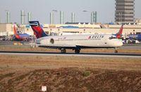 N977AT @ LAX - Delta