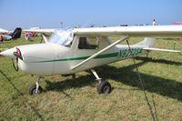 N8272S @ BKL - Cessna 150F