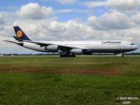 D-AIFD @ EDDL - Airbus A340-313 - DLH LH Lufthansa 'Giessen' - D-AIFD - 30.07.2015 - DUS - by Ralf Winter