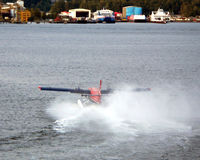 C-FWTE @ CXH - taking off from Vancouver harbour (Burrard Inlet) - Sept 2008 - by Neil Henry