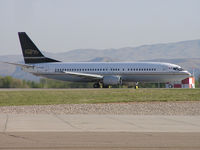 C-FLER @ KBOI - Taxing from RWY 28L. - by Gerald Howard