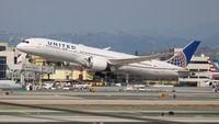 N13954 @ LAX - United