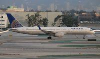 N18112 @ LAX - United