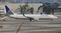 N47414 @ LAX - United