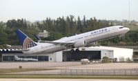 N63890 @ FLL - United - by Florida Metal