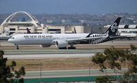 ZK-OKS @ LAX - Air New Zealand