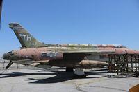 60-0471 @ CNO - F-105D