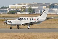 125 @ LFBD - Socata TBM-700A, Taxiing to holding point Delta rwy 05, Bordeaux Mérignac airport (LFBD-BOD) - by Yves-Q