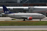 LN-BRX @ EGLL - Taxiing