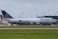 N119UA @ EGLL - Parked