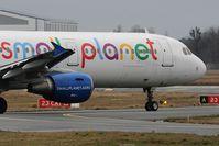 SP-HAZ @ LFBD - Small Planet Airlines Polska P79256 to Dublin - by Jean Goubet-FRENCHSKY