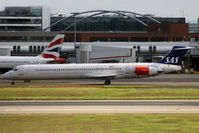 SE-DMB @ EGLL - Taxiing