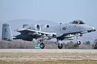 78-0633 @ KBOI - Landing RWY 10R.  190th Fighter Sq., Idaho ANG. - by Gerald Howard