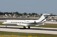 N450T @ LMML - Gulfstream GIV (G450) N450T Wells Fargo Bank - by Raymond Zammit