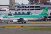 EI-DVH @ EGLL - Taxiing