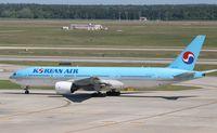 HL7715 @ KIAH - Boeing 777-200ER