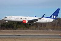 LN-RGE @ ESSA - SAS landing rwy 26 - by Jan Buisman