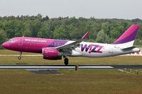 HA-LYF @ EHEH - crosswind landing - by Jeroen Stroes
