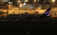 CC-BBE @ MIA - LATAM 787-8 - by Florida Metal