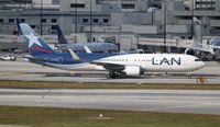 CC-CZU @ MIA - LAN 767-300