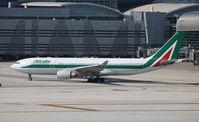 EI-EJO @ MIA - Alitalia