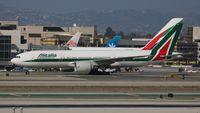 EI-ISD @ LAX - Alitalia