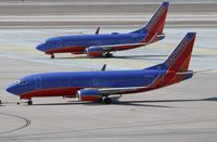 N390SW @ KLAS - Boeing 737-300