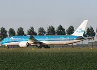 PH-BHF @ AMS - Taxi to te gate on Amsterdam Schiphol Airport - by Willem Göebel