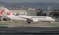 JA829J @ LAX - Japan Airlines