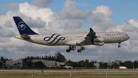 LV-FPV @ MIA - Aerolineas Argentinas Skyteam